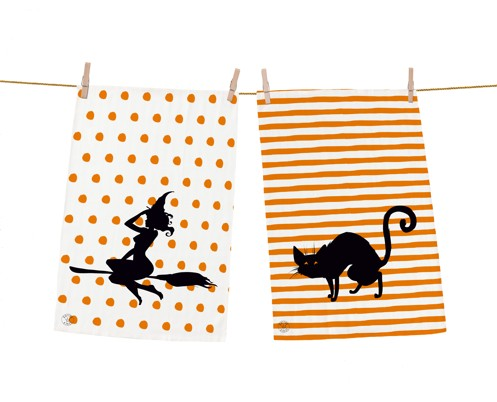 Dish towel sets witch and her pet